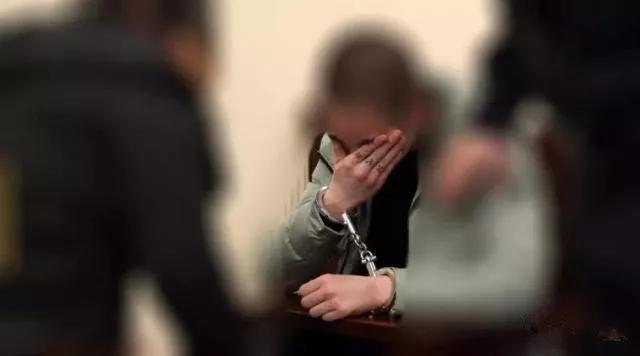 山西14岁少年不满父母管教 挥刀刺死父亲