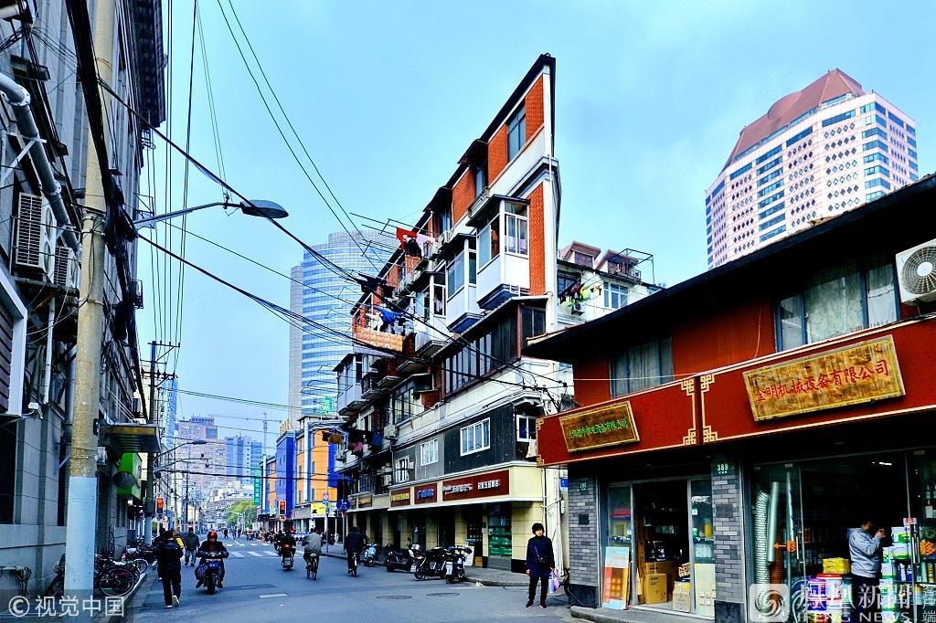 """上海""""纸片楼"""" 最薄处仅20厘米 (高清组图)"""