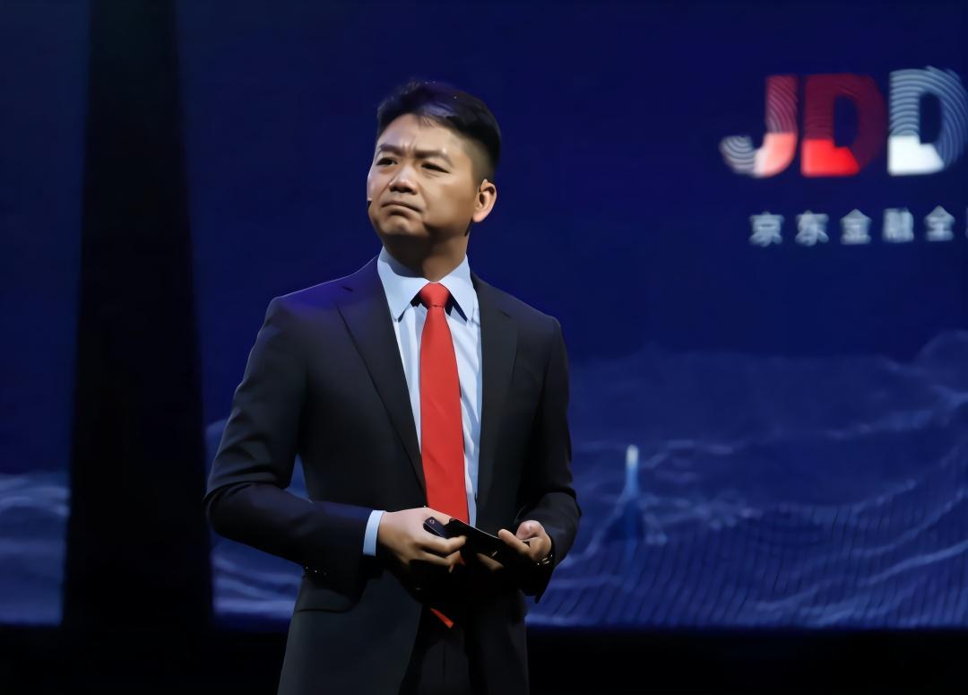 网曝刘强东内部邮件:融来的钱只够再亏两年!