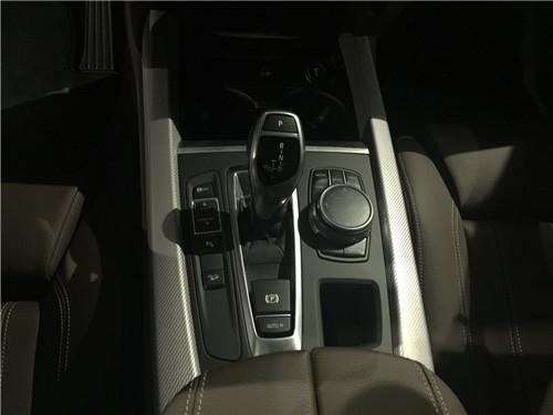 18款宝马x5中东版平行进口车到店实拍图