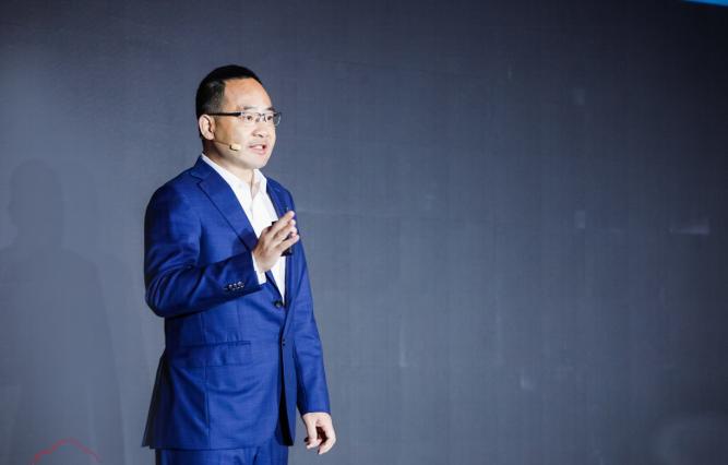 97 ai 华为云总裁郑叶来:2025年所有企业都会上云,97%会用AI