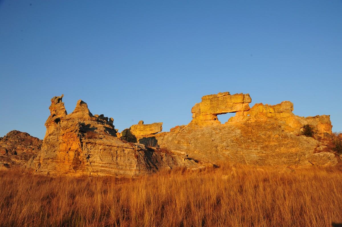 财经资讯_马达加斯加:地质公园里的奇幻景观_凤凰旅游