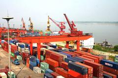 南昌港集装箱吞吐量一季度同比增长三成