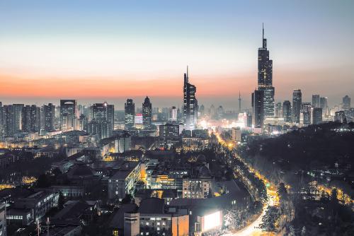 全球资讯_南京跻身中国大陆12强城市 排名全国第六_江苏频道_凤凰网