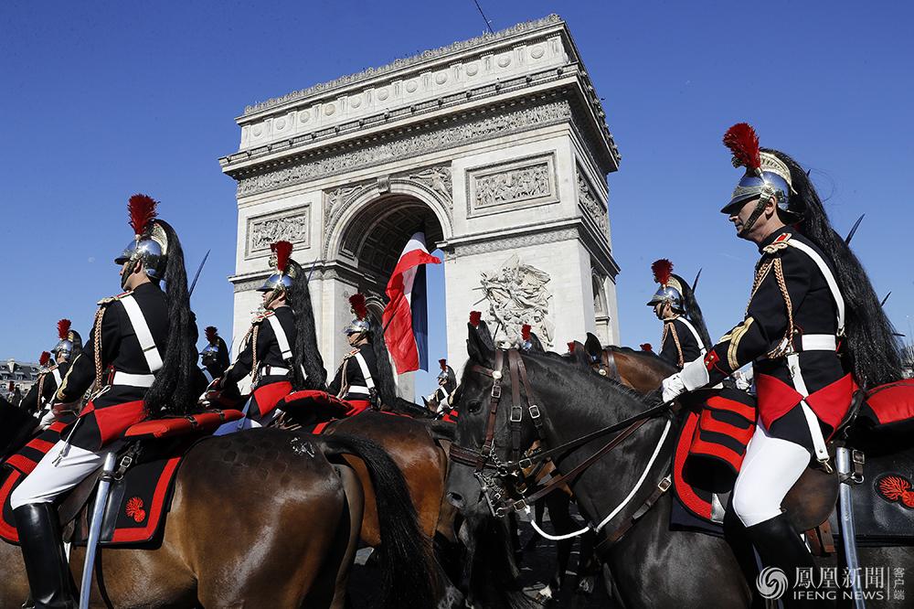 法国阅兵2015_法国国庆日:马克龙阅兵特朗普观礼