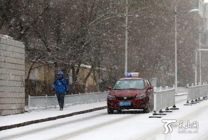 27日新疆连发4个暴雪预警!10个寒潮预警!30个大风预警!